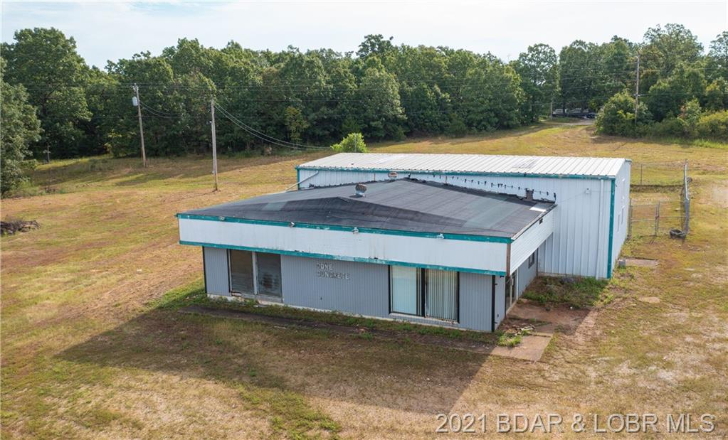 Commercial for sale – 9038  N State Highway 5   Camdenton, Mi